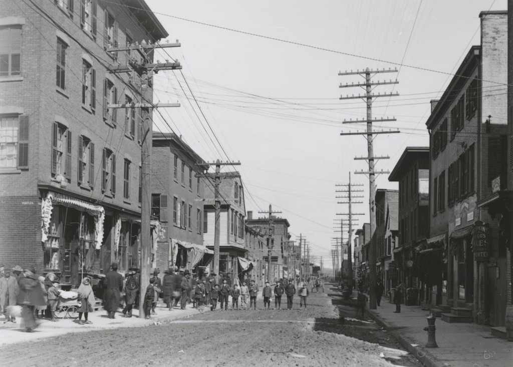 Front St. north of Temple