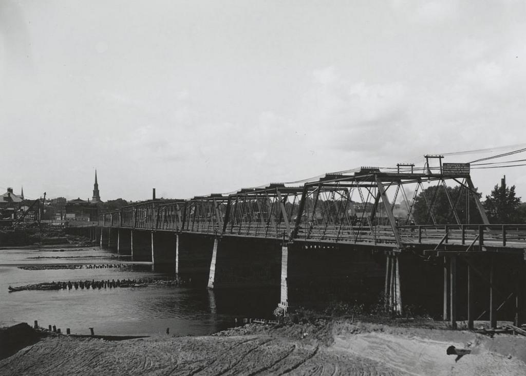 Temporary bridge, East Hartford end