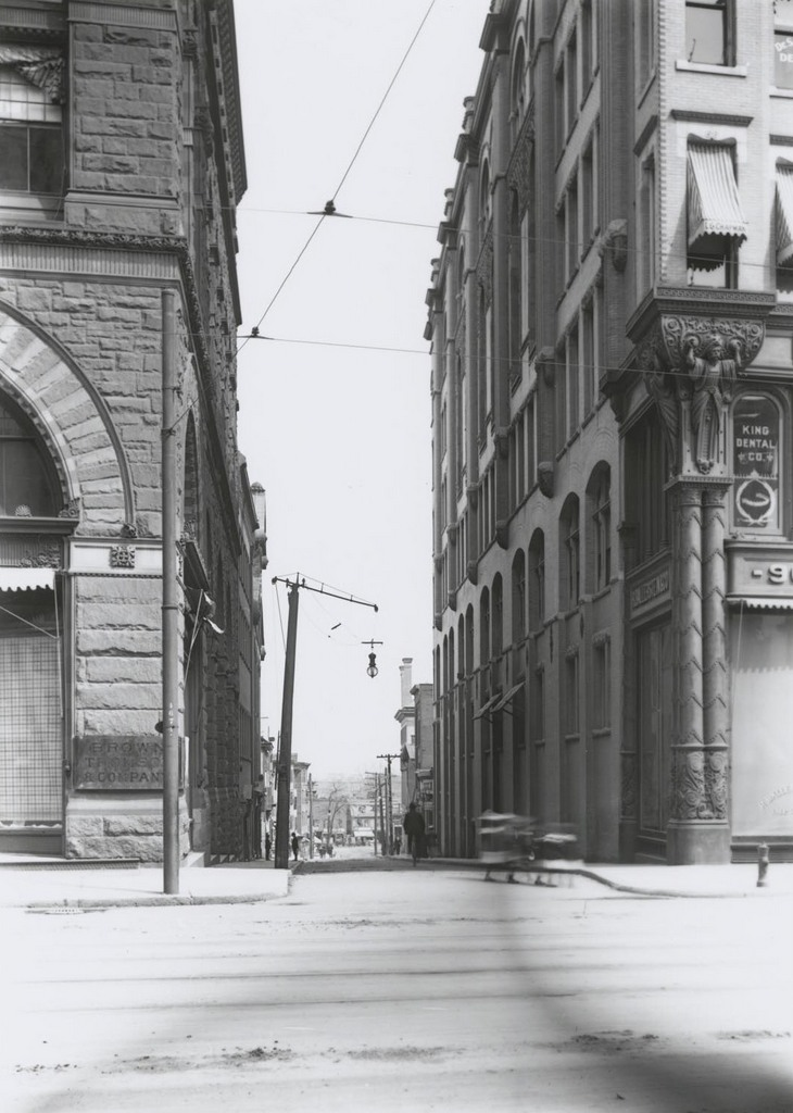 Temple St. east of Main