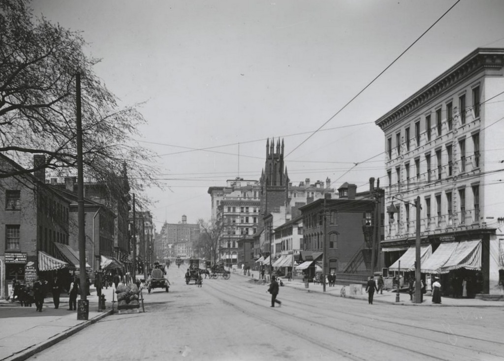 Main St. south of Arch